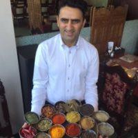 インド料理を楽しむ