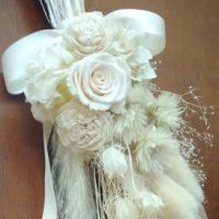 白花材で作る爽やかウォールフラワー